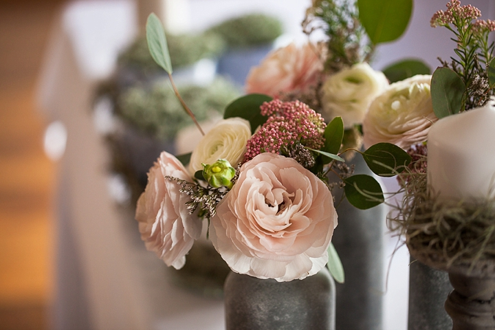 dekoracje-kwiatowe-na-wesele-zdjęcie