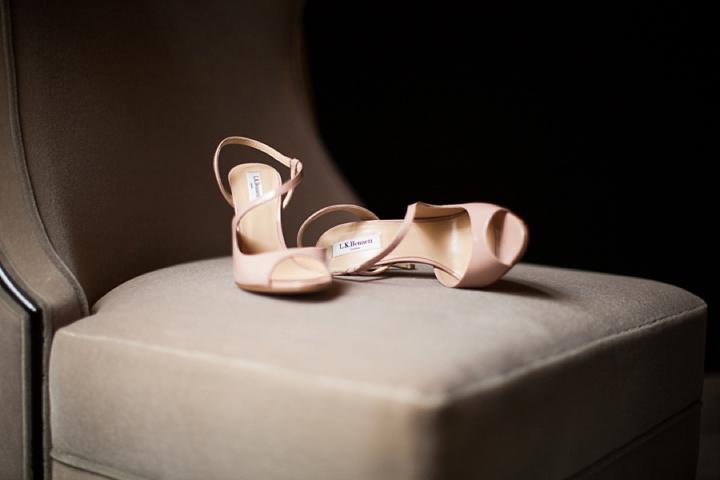 bladoróżowe pudrowe buty ślubne zdjęcie