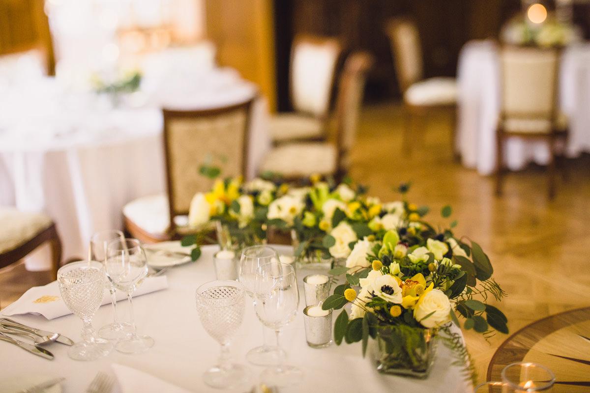 dekoracje stolow weselnych