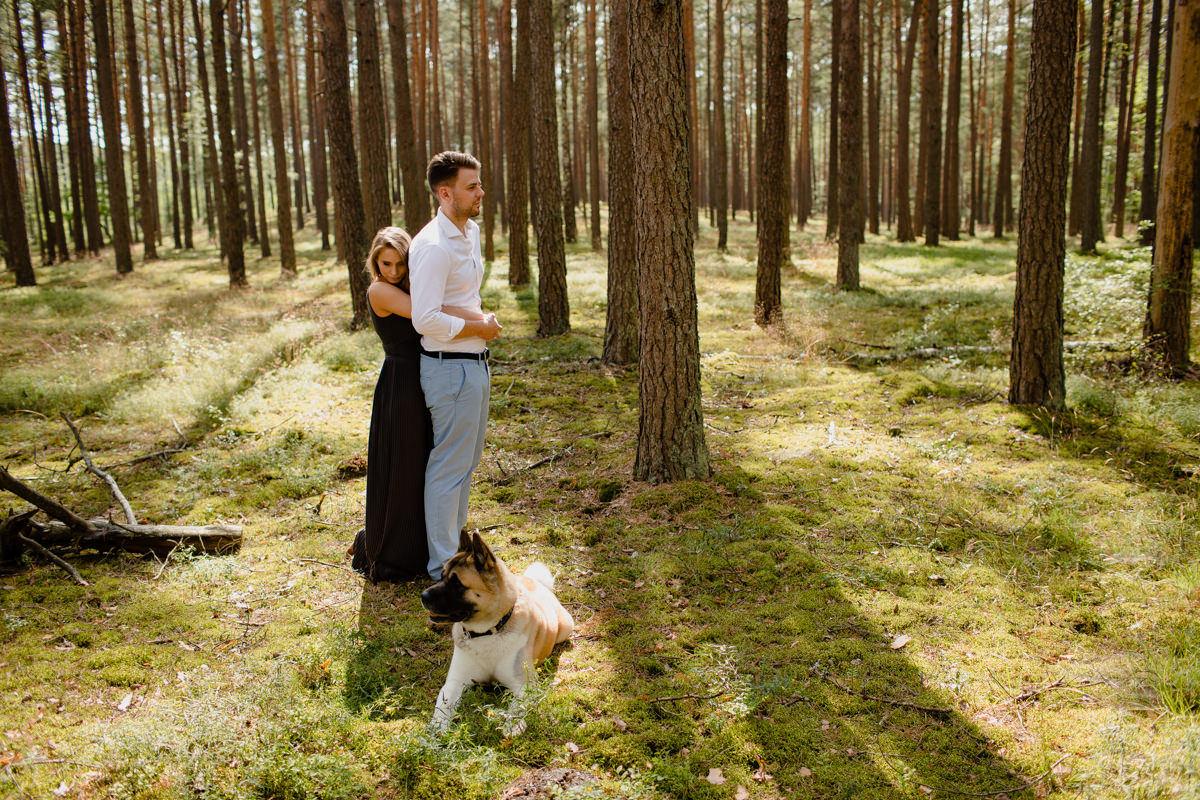 sesja narzeczenska w lesie jacek siwko