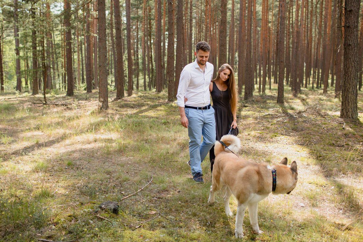 sesja w lesie zdjecie